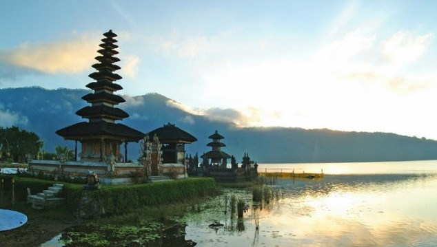 YOGA AND GIRLS EDUCATION IN THE HEART OF BALI