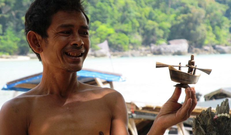 moken-boat-replica-c-andaman-discoveries